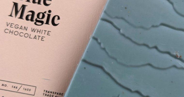 Raaka Blue Magic: blauwe chocolade met spirulina